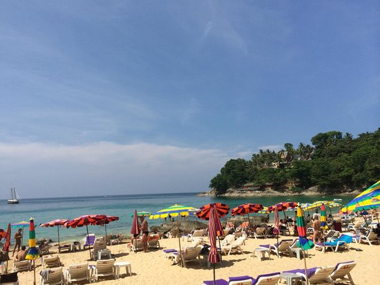 Laem Sing Beach: Nice sand and lots of chairs