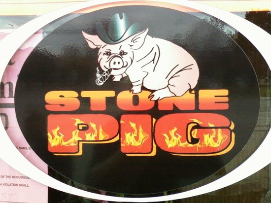 Downtown Stone Pig Smokehouse: Stone Pig Smokehouse