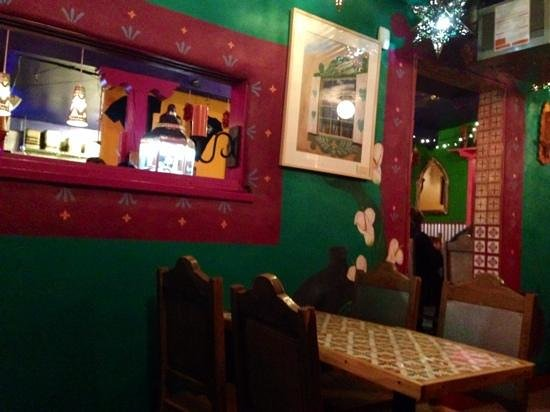 Orlando's New Mexican Cafe : very Southwestern feel at Orlandos