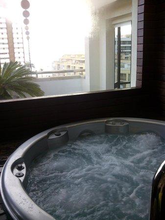 Hotel Agir: jacuzzi