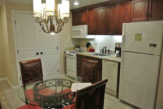 Marriott's Grand Chateau: Kitchen Area