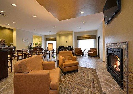 Sleep Inn & Suites: lobby