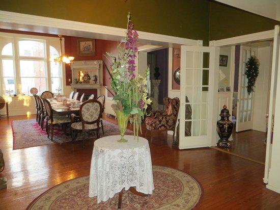 The High Street Inn Bed & Breakfast: Dining room
