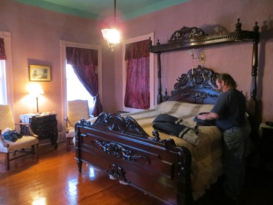 The High Street Inn Bed & Breakfast: Our Guest room