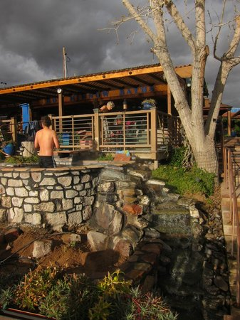 Riverbend Hot Springs: Looking at the hot tub closest to the river