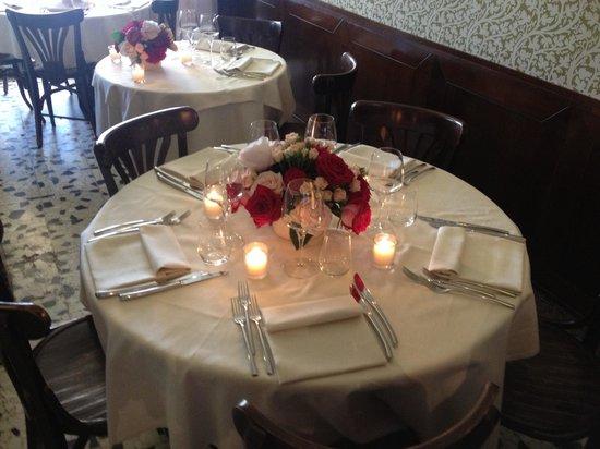 Riviera : Preparazione mise en place per matrimonio