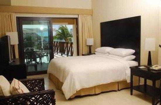 Playa Tortuga Hotel & Beach Resort: Guest Room