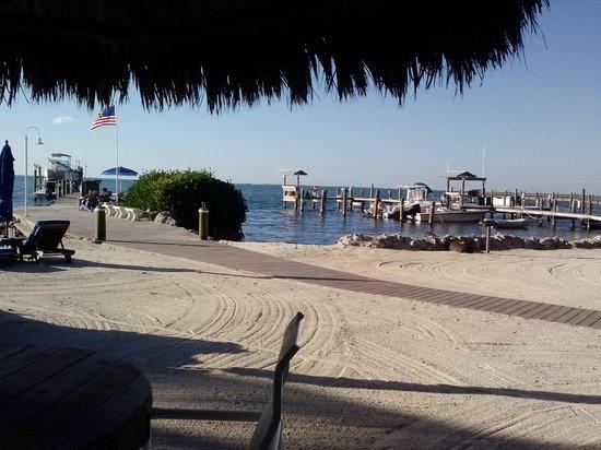 Island Bay Resort: Beach view