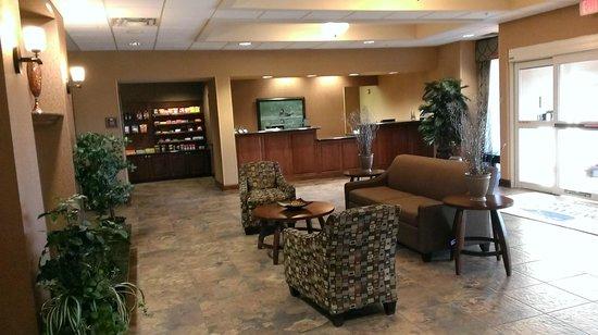 Homewood Suites by Hilton Fayetteville: Lobby / front desk