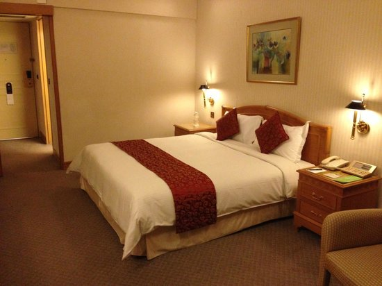 Carlton Hotel Singapore: Bed room