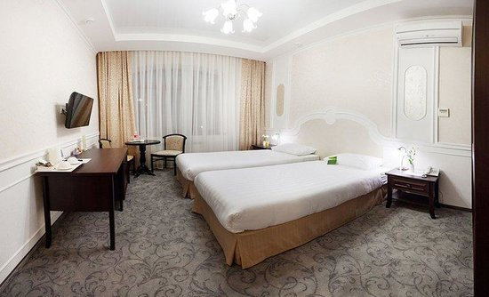 Raigond Hotel