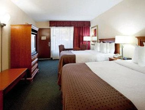 Ramada Lafayette Conference Center: Double Bed Guest Room