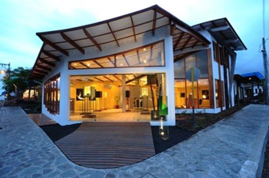 Galería Aymara: Location 1, Puerto Ayora, Santa Cruz