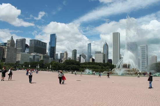 The Blackstone, Autograph Collection : 10 minute walk to Buckingham Fountain