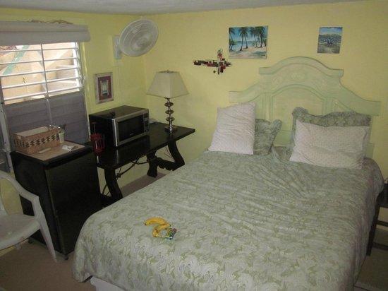 SeaGate Hotel: Bed
