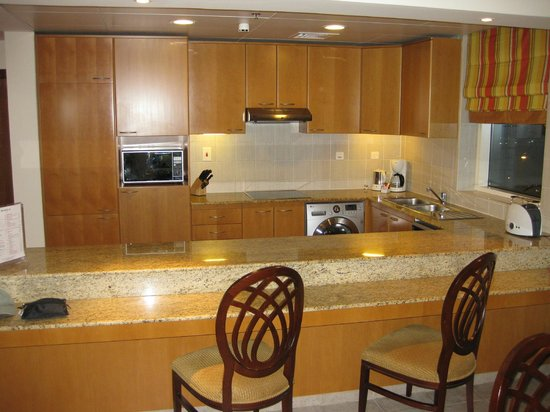 Marriott Executive Apartments Dubai Creek : 2-BDRM APT KITCHEN