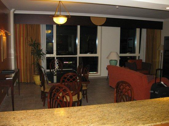 Marriott Executive Apartments Dubai Creek : 2-BDRM APT DINING ROOM