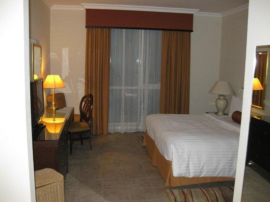 Marriott Executive Apartments Dubai Creek : 2-BDRM APT -MASTER BEDROOM
