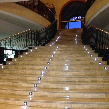 Bahia Principe Tenerife: the lobby staircase down to the lounge bar and buffet restaurant