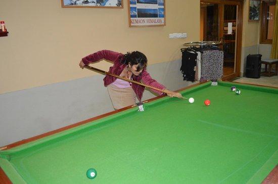 Club Mahindra Binsar Valley: playink snooker