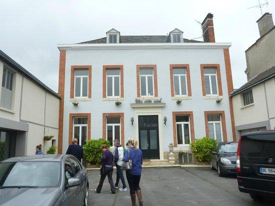 O Chateau - Wine Tasting: Penet Chardonnet House