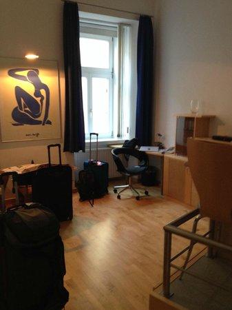 GAL Apartments Vienna: main living area