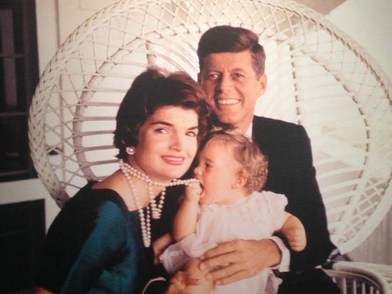 Newseum: JFK & Jackie with Baby Caroline