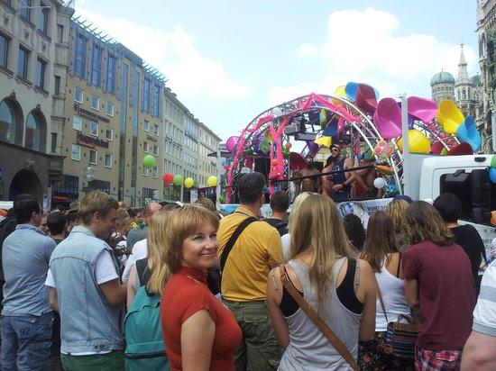 Marienplatz: Гей-парад на Мариенплац