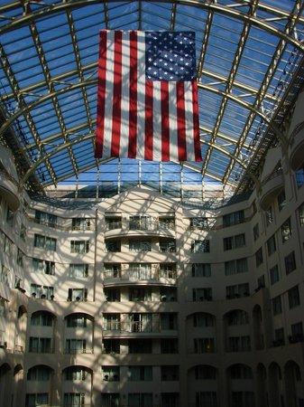 Grand Hyatt Washington: Hotel lobby roof