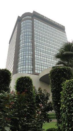 Le Meridien New Delhi: Hotel Exterior