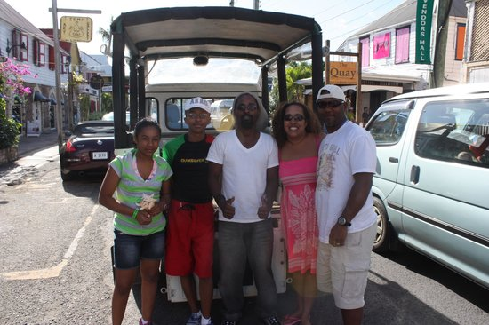 Antigua Rainforest Canopy Tour: Posing with our Tour Guide