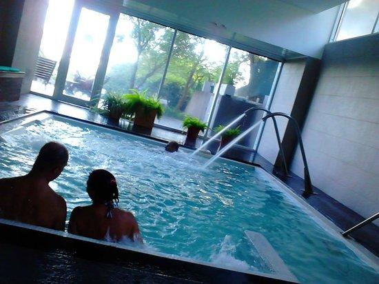 Sol Victoria Hotel, Spa & Casino: cama de burbujas