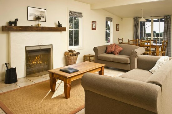 Brackenridge Country Retreat: Cosy Lounge