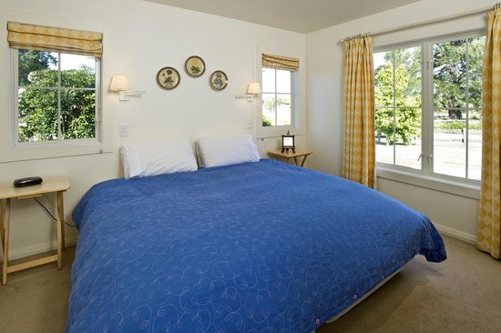 Brackenridge Country Retreat: Bedroom