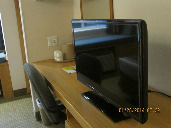 "Microtel Inn by Wyndham Raleigh Durham Airport: 32"" Samsung LED Television with premium channels."
