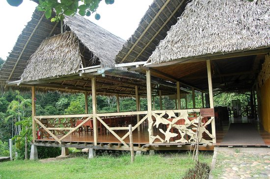 Yarina Eco Lodge: Main lodge (dining/bar)