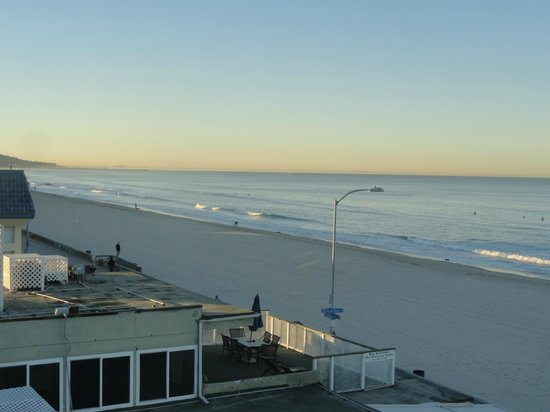 Surfer Beach Hotel: from room 414 balcony