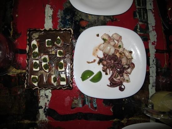 La Esquina de los Caprichos: appetizer of Calamari and Cherry Tomatoes
