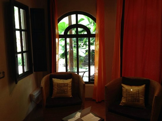 Manala Hotel: Room 5 Sitting Area