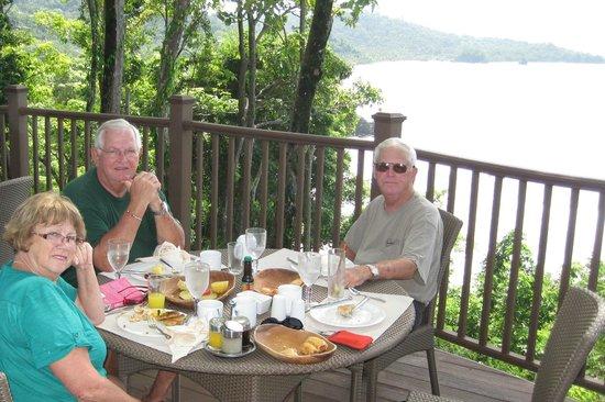 El Mirador Bar & Restaurant: Poolside Breakfast