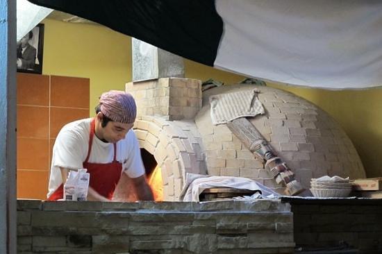 Bella Napoli: Chef and Oven