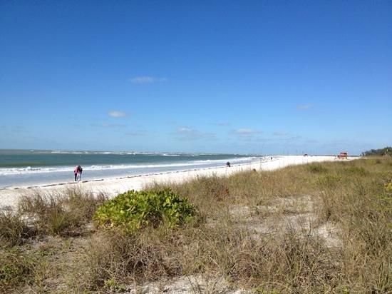 Lido Islander: beach view