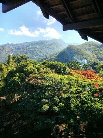 Le Meridien Tahiti : View on Tahiti mountains