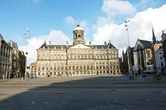 Dam Platz: dam square with the palace