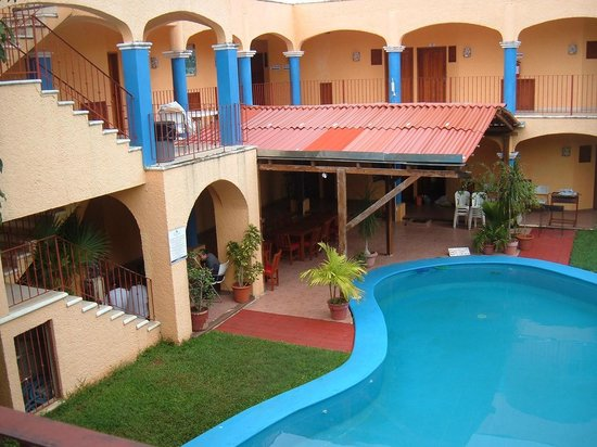 Hotel Dorymar: Was a real mexican birthday here