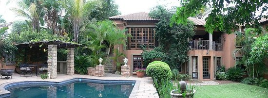 Terra Casa: Beautiful backyard