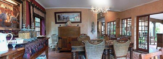 Terra Casa: Dining Area