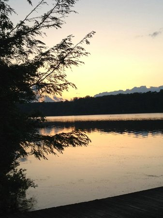 Otter Lake Camp Resort: Sunset view from the activities center