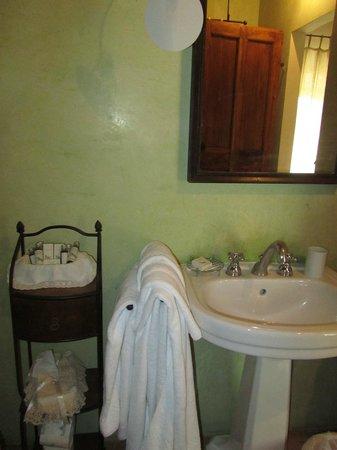 Villa Cicolina: Banheiro