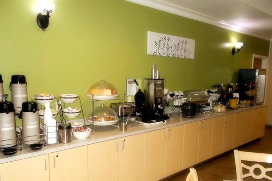 Sleep Inn & Suites Redmond: Hot Breakfast Buffet